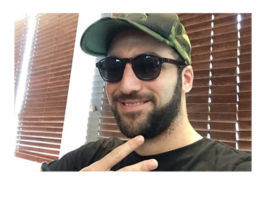 Gonzalo Higuain signaling a peace sign - Twitter photo - 2016