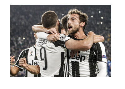 The Juventus team is celebrating in the Champions League 2016/17.  Can they beat Barcelona?