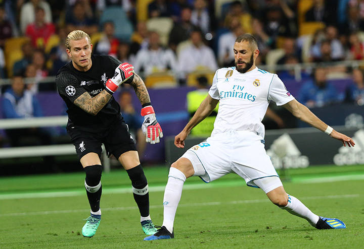 Karim Benzema poaches the ball in the 2018 Champions League final - Loris Karius is also in the photo.